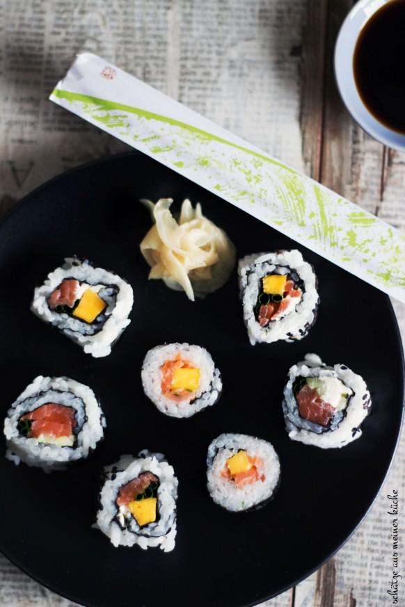 Maki-Sushi mit Mango