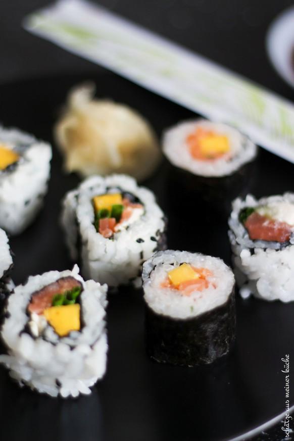 Sushi mit Lachs & Mango