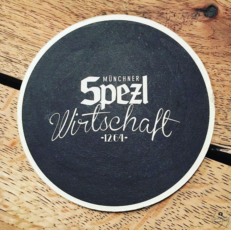 Spezlwirtschaft München Bayrische Österreichische Küche Wiener Schnitzel Saftige Steaks