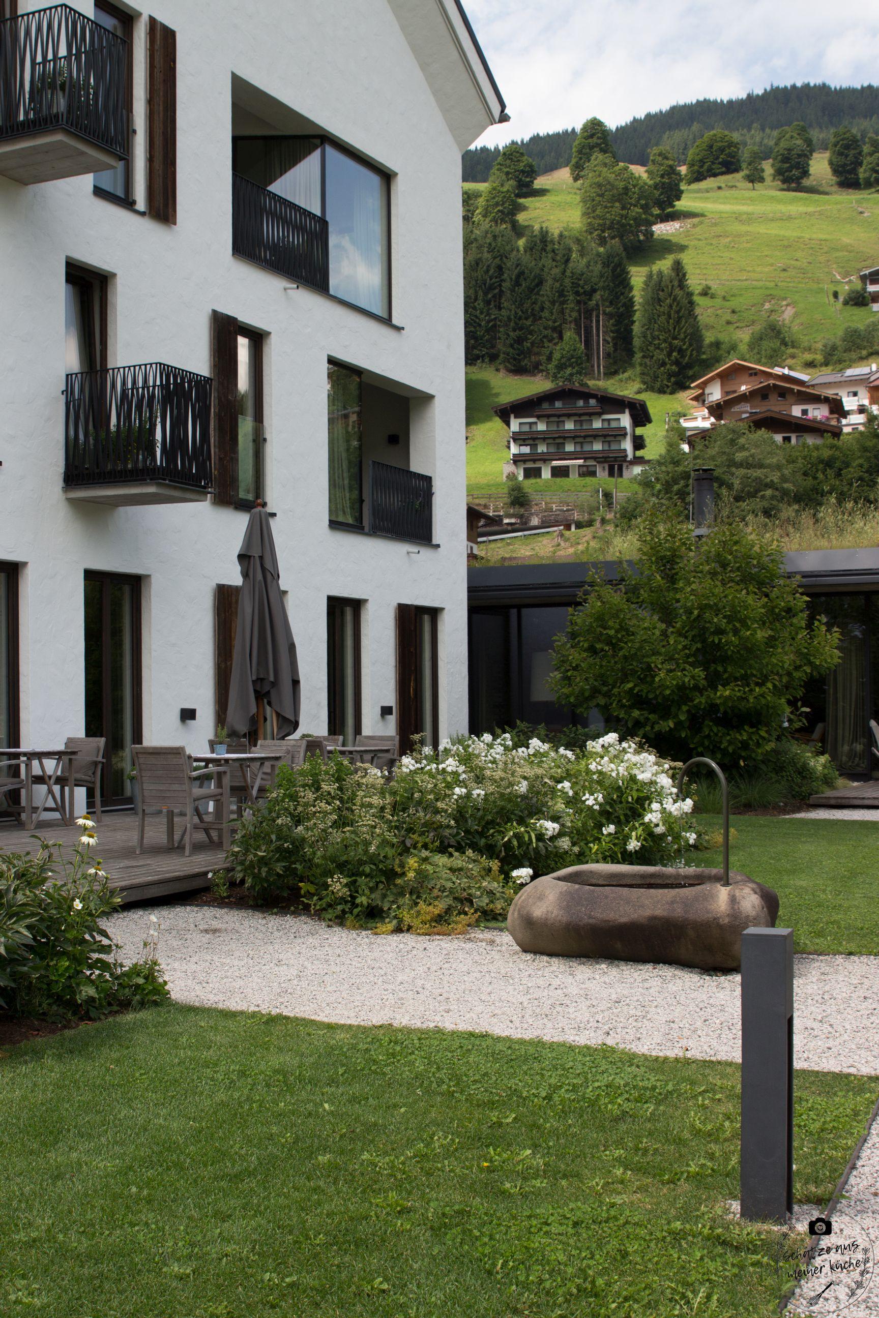 Wiesergut Innenhof Garten Gutshaus