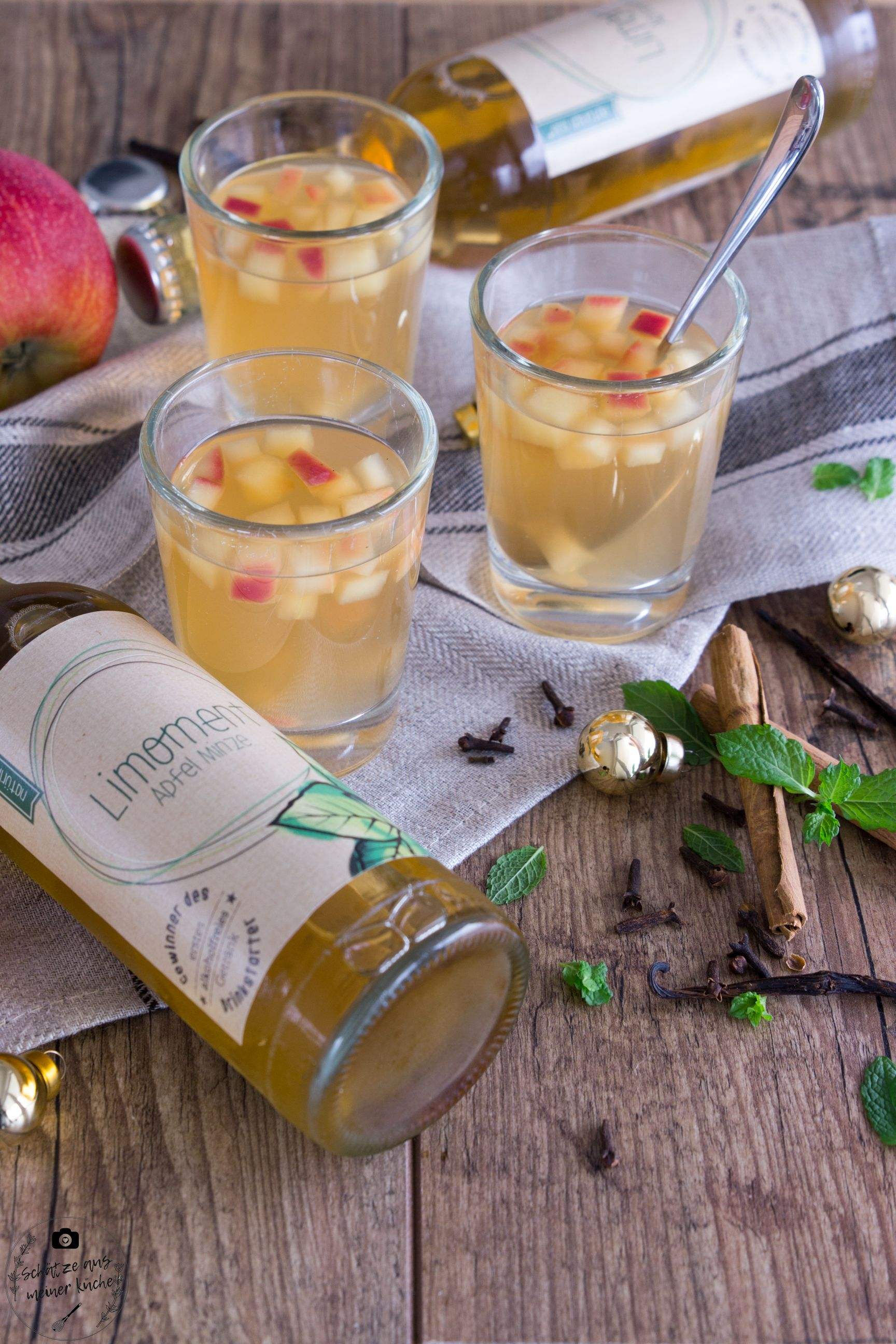 Apfel-Minze-Limonade Limoment Apfelpunsch