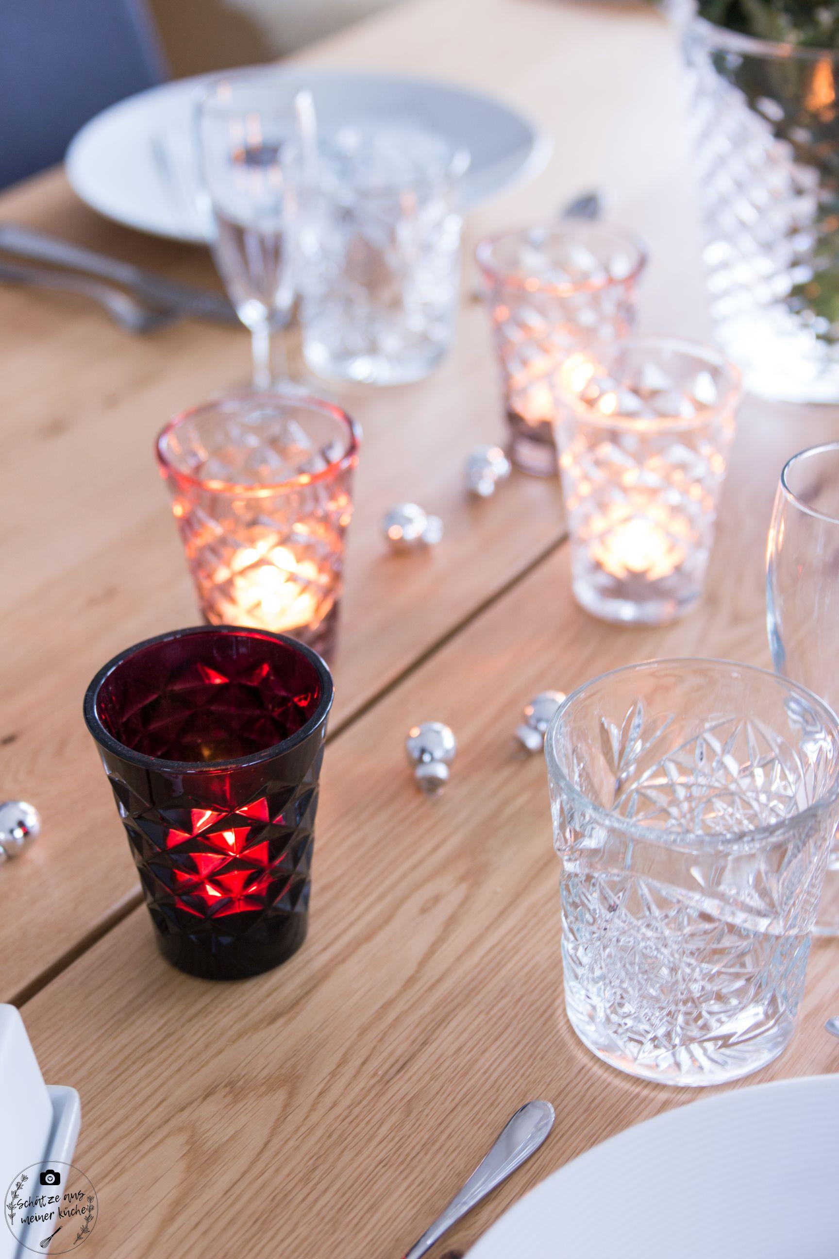 ediths Weihnachten gedeckter Tisch Teelichgläser