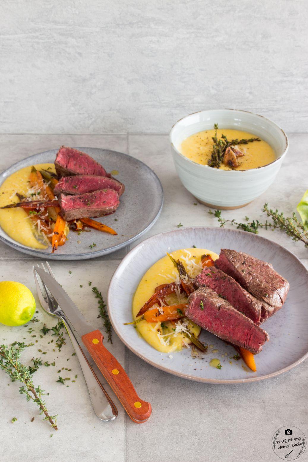 Rinderfiletsteaks mit glasierten Möhren und cremiger Polenta