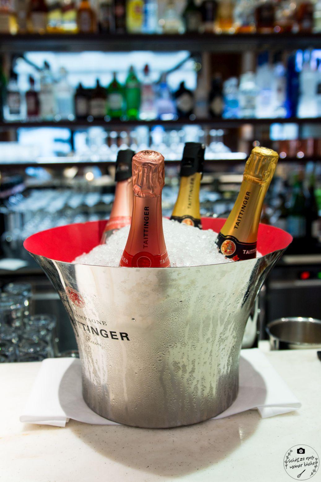 Schwarzreiter Tagesbar Champagner