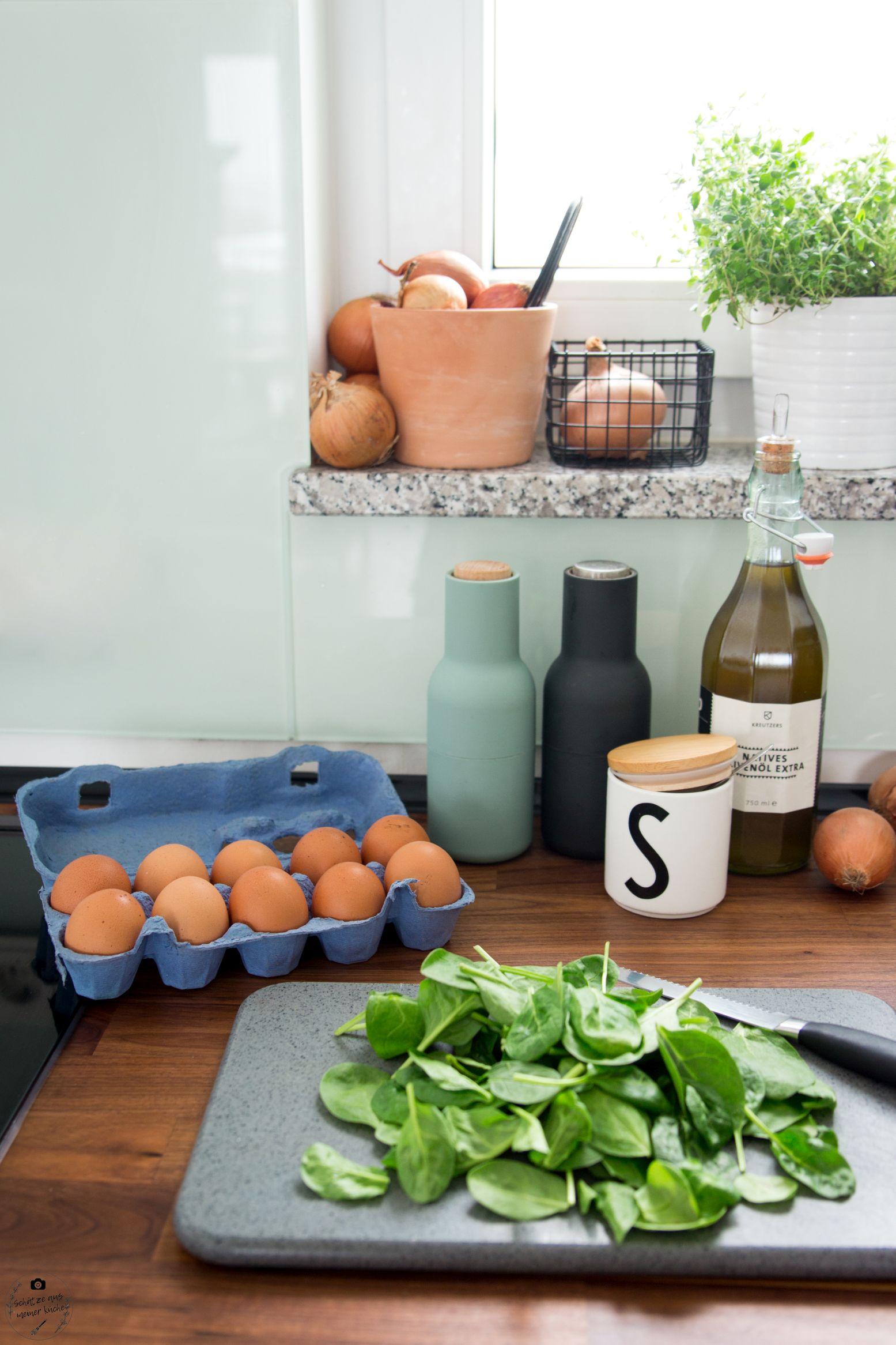 Zwiebelrostbraten mit köstlicher Bratensauce und Spinatspätzle